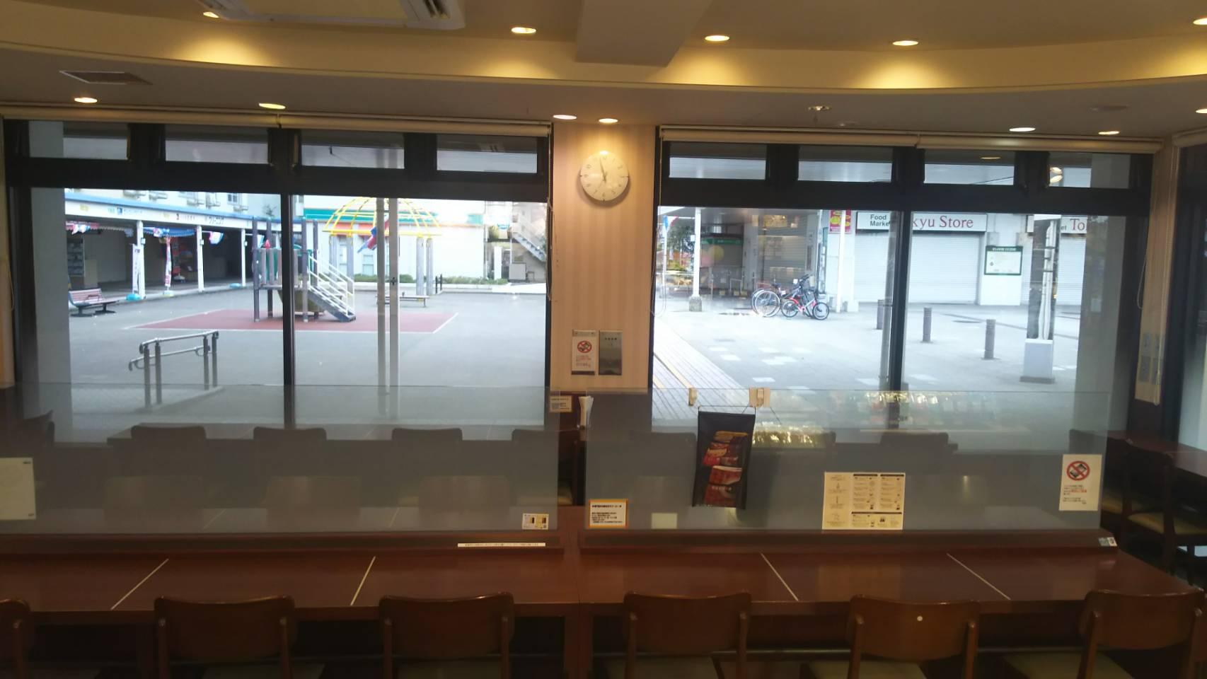 ドトール・コーヒーショップ 洋光台店のスタッフ視点の座席